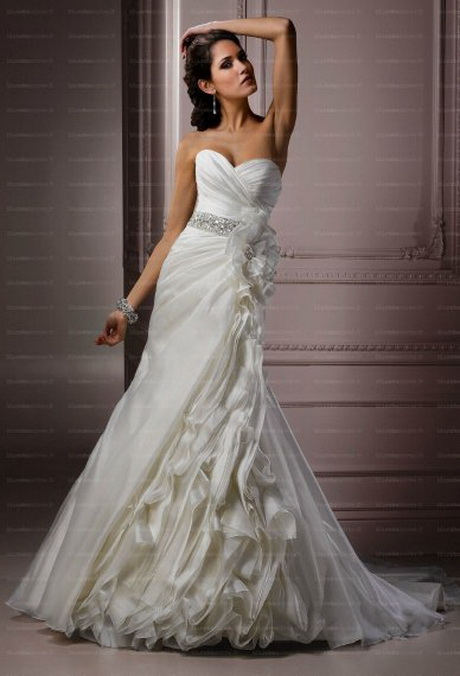 Plus belle robe de mari e du monde for Robes de mariage du monde de disney