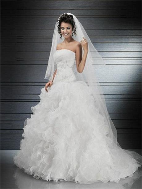 Robes de mariee robes de mari e 2012 en france for Robe de mariage tronc spectacle
