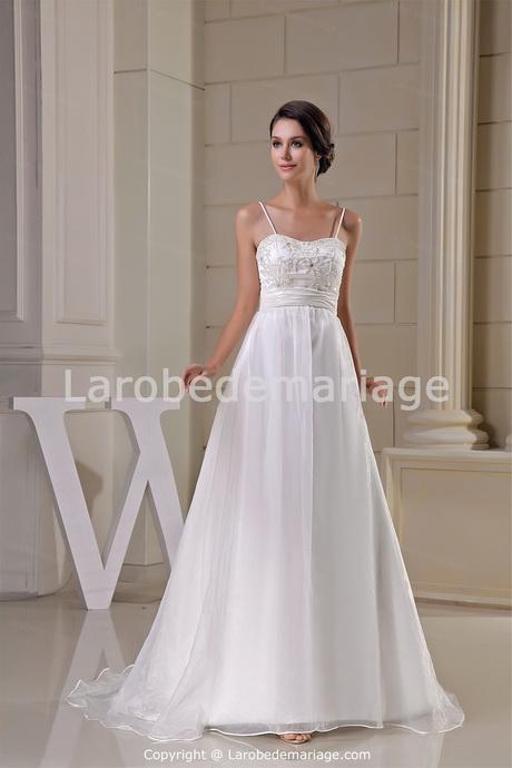 robe de mari e simple et droite id es et d 39 inspiration sur le mariage. Black Bedroom Furniture Sets. Home Design Ideas