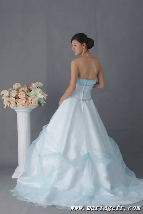 robe de mariee blanche et bleu. Black Bedroom Furniture Sets. Home Design Ideas