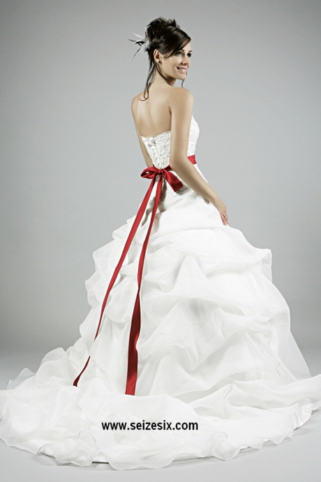 Robe De Marie Blanche Et Rouge1 Jpg Pictures to pin on Pinterest