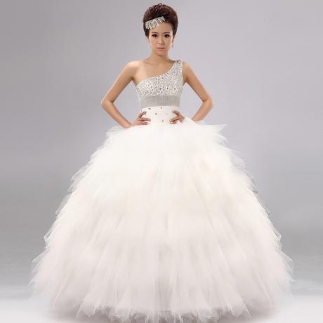 robe de mariee en plume