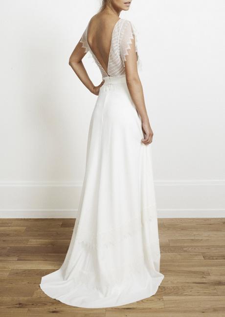 une robe de mariée fluide en dentelle et soie rime