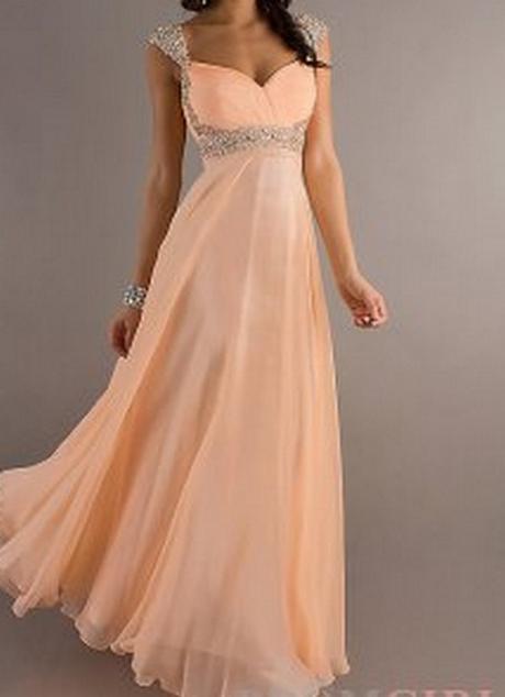 Robesrobe longue pyrnes blanche de soire ou marie bed for Quand les robes de mariage seront elles en vente