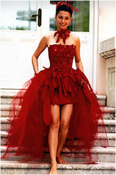 robe rouge de mari e. Black Bedroom Furniture Sets. Home Design Ideas
