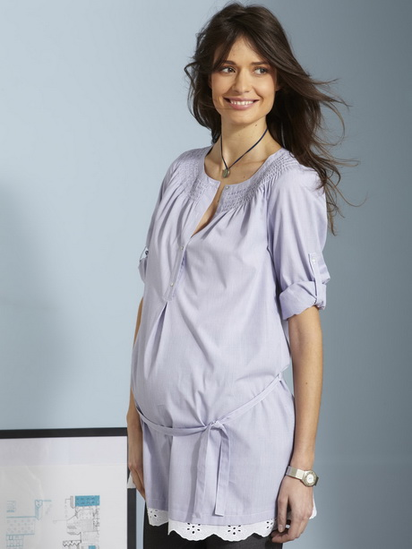Parce que les femme enceintes peuvent tout à fait rester fashion durant toute la durée de leur grossesse, découvrez la collection de vêtements maternité de boohoo. Long pull, robe pull, top, trouvez votre style parmi nos basiques en misant sur le confort.
