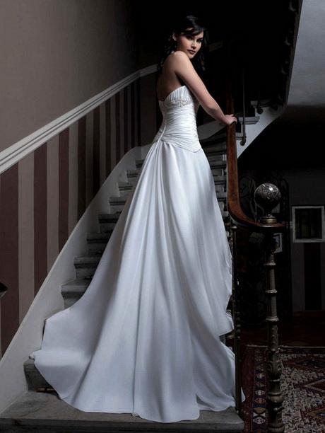 Robe de mariée créateur col v traîne satin et taffetas