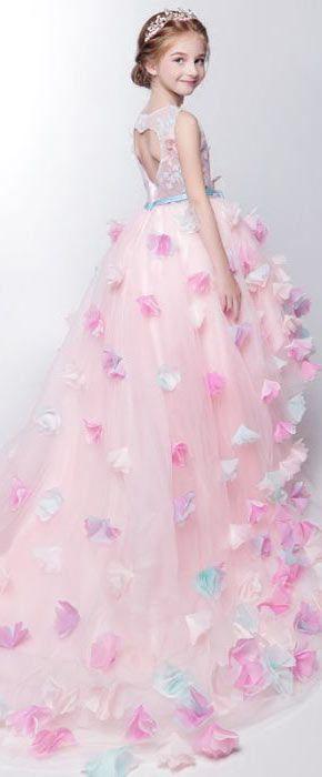 Robe de princesse fille mariage for Robes d allure de mariage