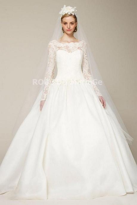 robe de mari e avec manche et longue traine
