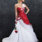Robe mariee blanche et rouge