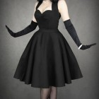 Robe noire pin up