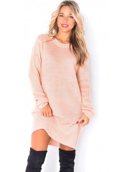 Robe pull rose pale